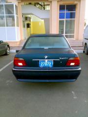 BMW 740i back