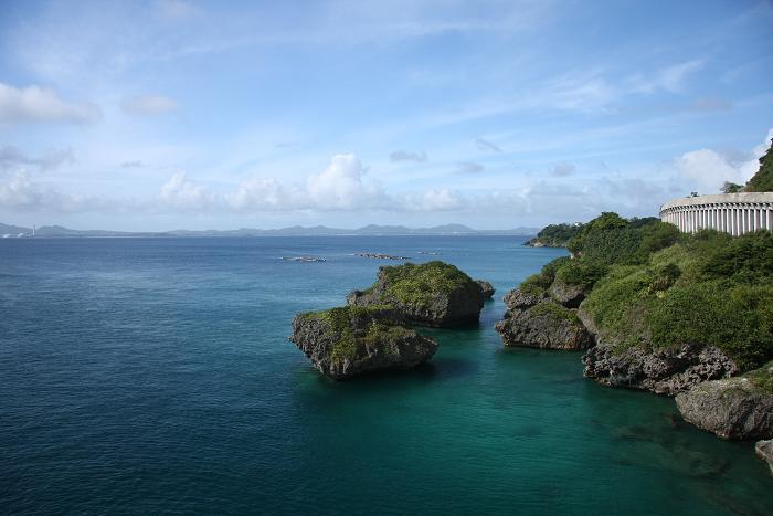 伊計島より、2