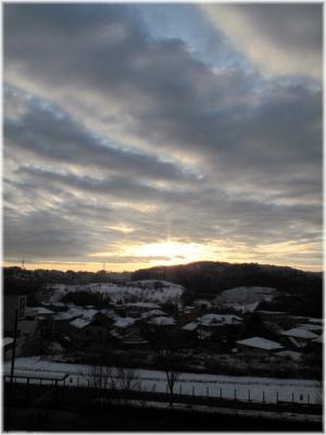 雪の朝の空110212G 009
