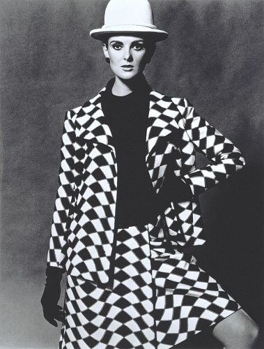 lg_5112921_grace_coddington_in_a_nina_ric-jpg.jpg