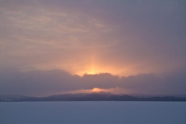 雪の中の夕暮れ 網走湖
