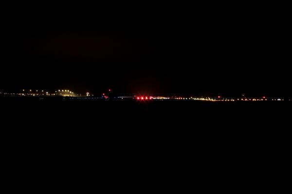 夜のローカル空港 (女満別空港)