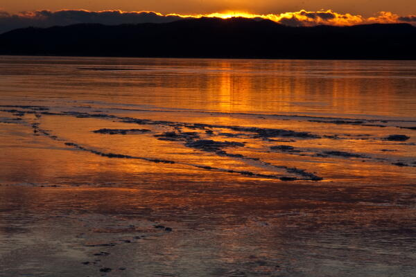 氷に夕映え