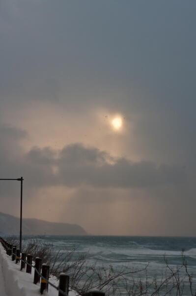 雪雲と太陽 知床