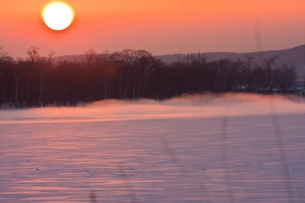夕陽と気荒らしの湖  網走湖