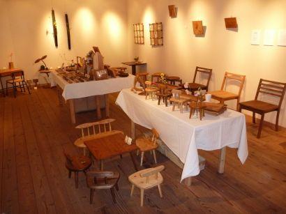 木の家具とシルバーアクセサリー展1