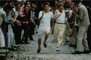 走る若者たち