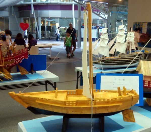 割り箸船02