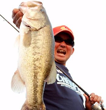 本日の最大魚・・大台にちと足りません・・・