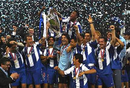 fc-porto-trophy.jpg