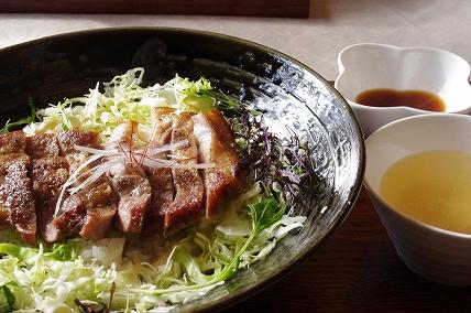 豚テキ丼1.23