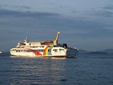 高松のフェリー埠頭02(2011.08.06)