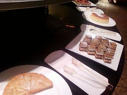 ホテルビュッフェ 「カスケイドカフェ」 : ANA インターコンチネンタルホテル東京