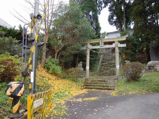 いすみ鉄道小谷松駅前 熊野神社