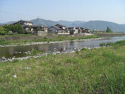 今の貞光川