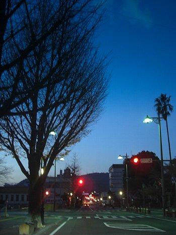 夜明けの街並み