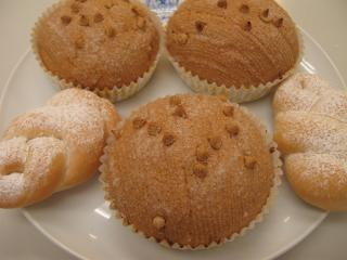 キャラメルメロンパンと三つ編みパン