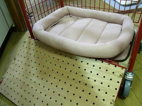 3四角いベッド