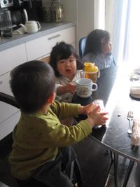 子どもたち3人も・TeaTime♪♪