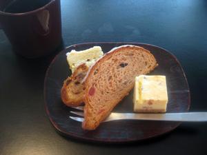 Kitouサンからのシュトーレン・自家製シュトーレン・ドイツ土産のシュトーレンと、チーズケーキ♪
