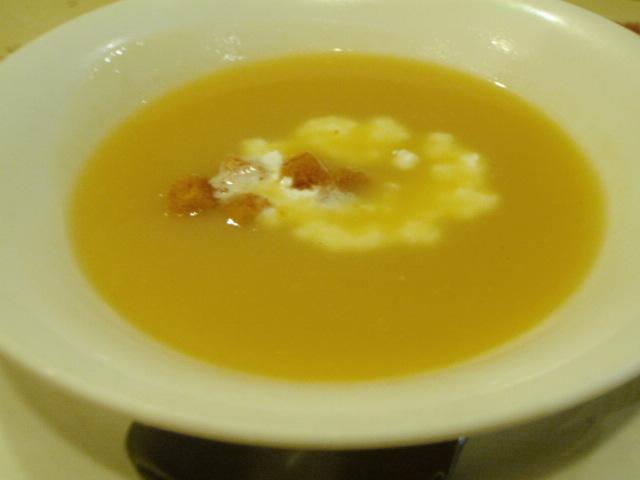 この先を期待させてくれるスープ