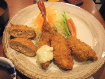 サービスランチのミンチ、海老、白身魚、一口ヘレカツ