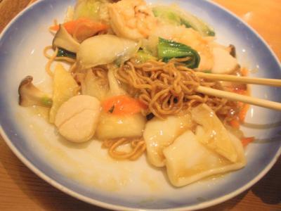 蓬莱戎橋本店海鮮焼そば麺