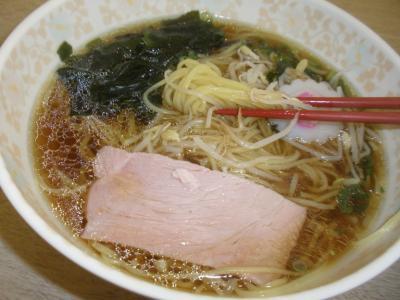 芦屋市役所ラーメンの麺と具