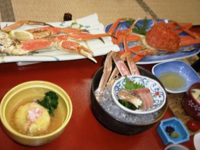 三井別館カニ懐石焼き蟹、茹で蟹、蟹刺し