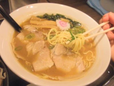 梅田一番味噌ラーメン麺