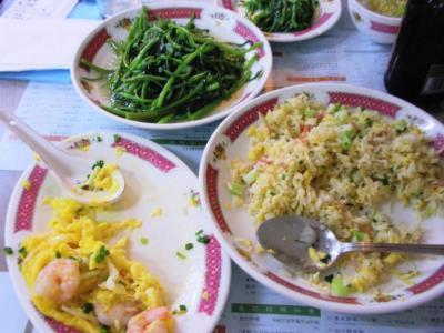 査餐廳エビ玉と炒飯、空心菜