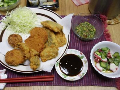 家ご飯20110131イワシフライ、ハムカツ、カキフライ、たこ酢、オクラ