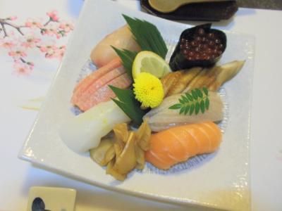 しら川アオリイカ、トロ、シマアジ、サーモン、煮蛤、穴子、イクラ