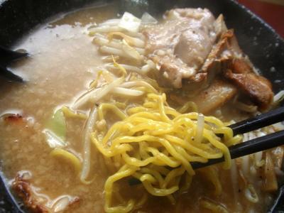 麺屋風火中丸とこ豚骨ラーメン中太ちぢれ麺