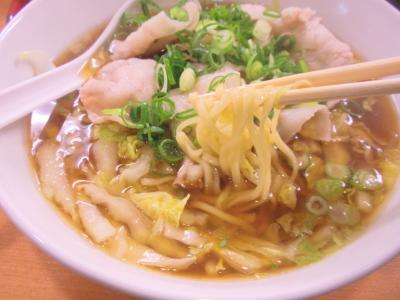 陽春豚肉陽春麺700円の麺