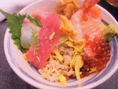 しら川ランチ魔法の海鮮ちらし寿司ごはんに椎茸かんぴょう