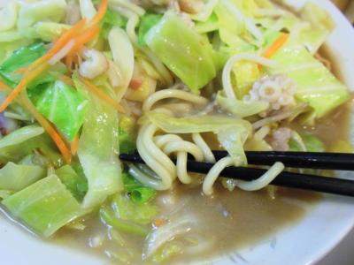 ちゃんぽん耕ちゃんぽん豚肉ゲソ野菜と麺