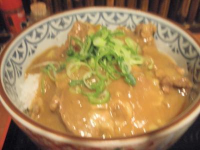ふかもとカレー丼390円大盛り無料は肉たっぷり