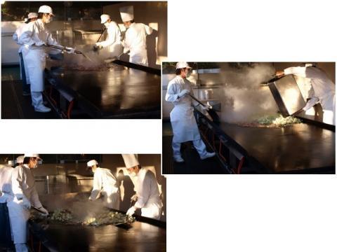 ジャンボ焼きそば調理中