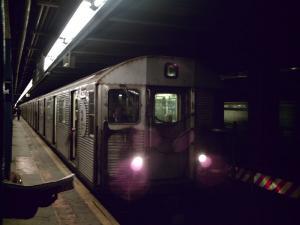 800px-R32_C_train_convert_20100122231446.jpg
