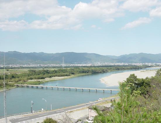 聖地を流れる吉野川(下流側)