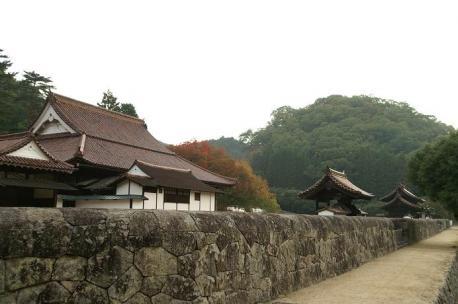 講堂と公門と楷の木