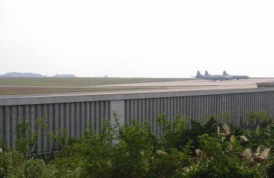 嘉手納飛行場