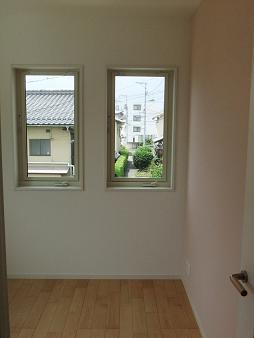 子供部屋A窓