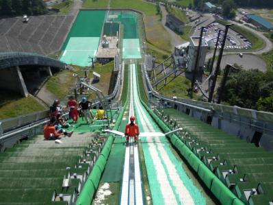ジャンプ台ノーマルヒル観覧ステージ
