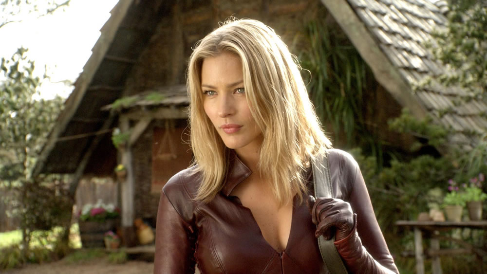 tabrett_bethell_cara_legend_of_the_seeker.jpg