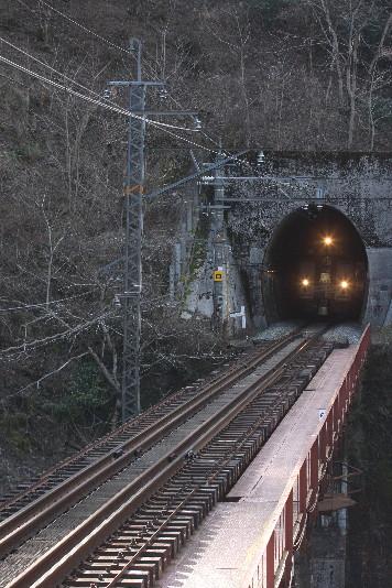 3灯トンネル