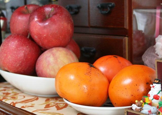 IMG_8552 岩手のリンゴ、鳥取の柿 W