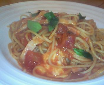 モッツァレラチーズとトマト・バジルのパスタ@スプーンカフェ