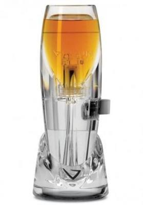 酒を攪拌して美味にするエアレーター